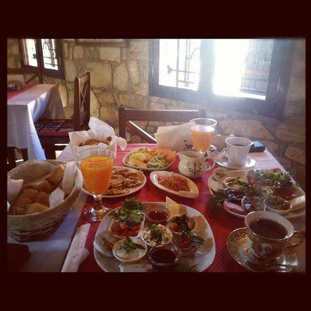 Urkmez Hotel:                                     The excellent breakfast!