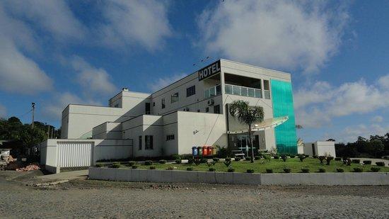 Guamiranga Hotel: Lateral e frente do Hotel