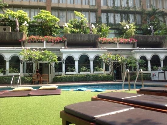 The Tawana Bangkok:                   poollandschaft