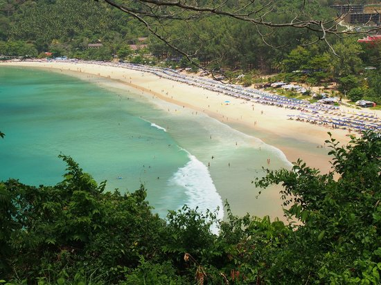 Nai Harn Beach: bird eye view