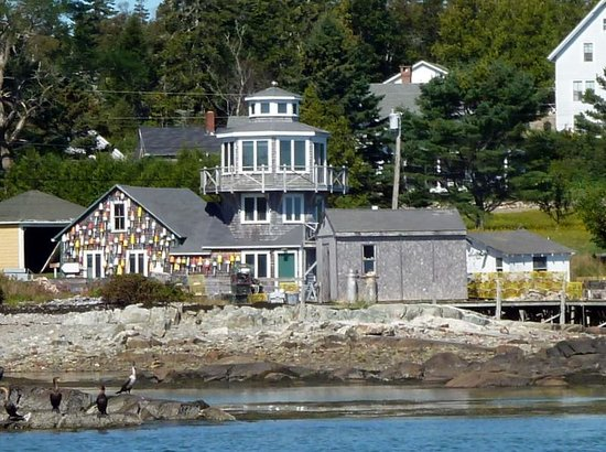 Thurston's Lobster Pound: Watch for the buoys