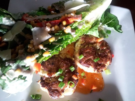 Crab cakes and caesar salad picture of fish thyme for Fish thyme menu