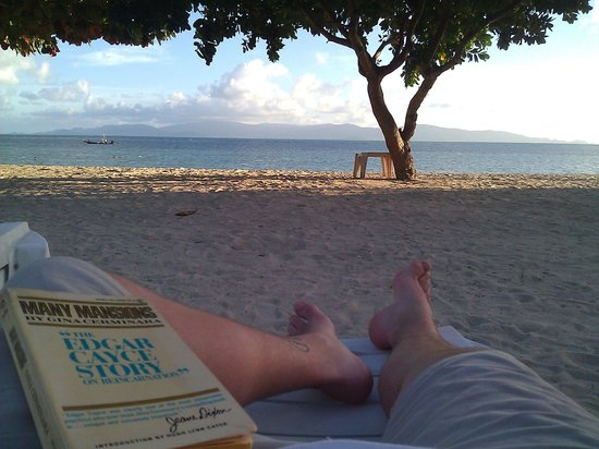 Rung Arun Resort :                   Having a chill read