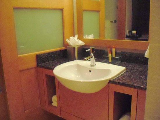 Greektown Casino Hotel:                   Vanity