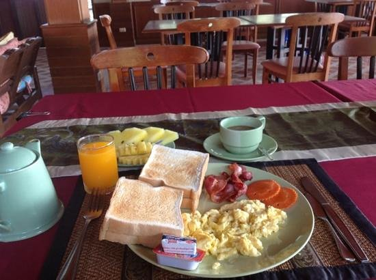 Baan Nern Sai Resort Phuket: they serve basic breakfast...
