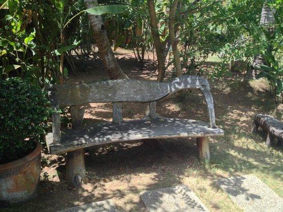 Hibiscus Garden Inn:                   The Garden Bench                 