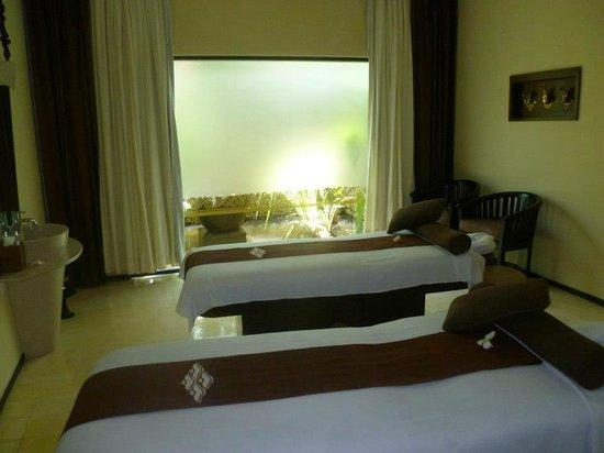 Padma Resort Legian :                                     Spa Massage Room
