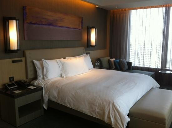 Conrad Seoul: ultra comfortable bedroom
