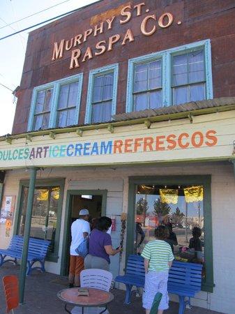 Alpine, تكساس:                                     Raspa Co. Storefront                                  