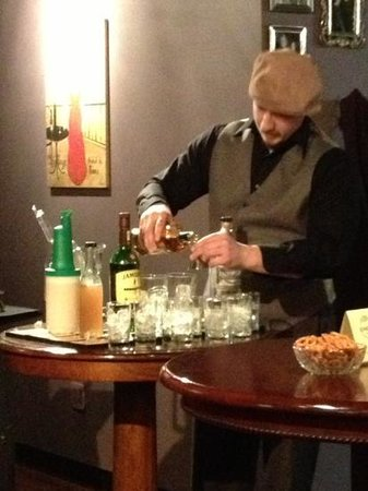 Enoteca Drinkery and Refuge: mixology class