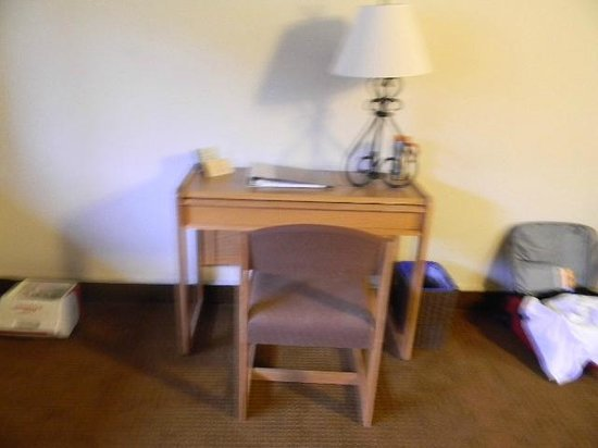 Asilomar Conference Grounds:                                                       Motel 6 type desk and lamp