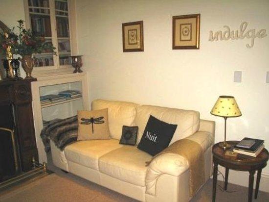 Basket Range, أستراليا: Hillgrove cosy Sitting room