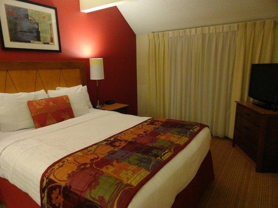 Residence Inn San Jose Campbell:                   Bedroom