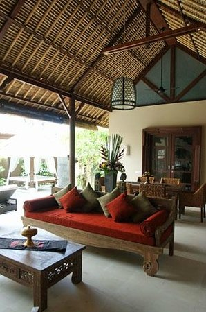 Tepi Laut Villa: Villa Living