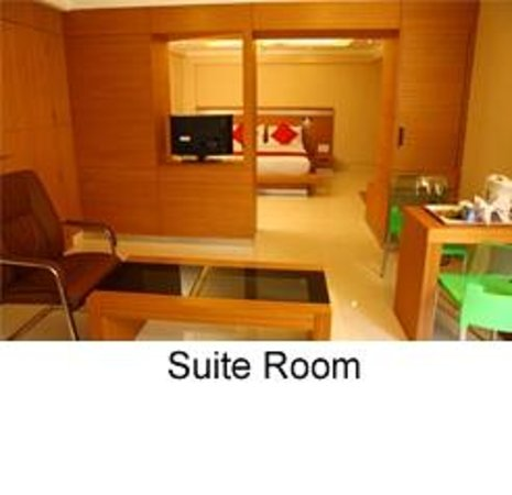 Thekkady - Woods n Spice, A Sterling Holidays Resort: Suite Room