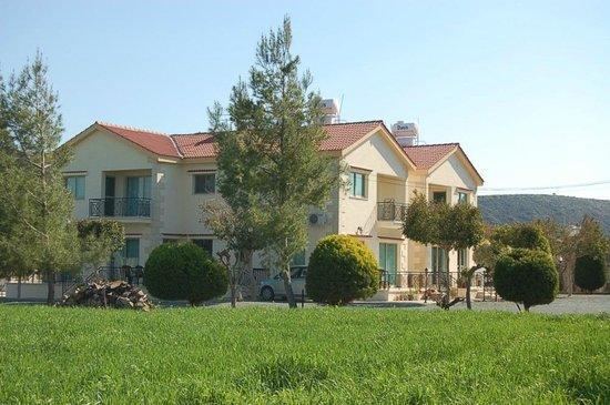 Himonas Apartments:                   Appartmenthaus