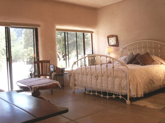 Cochise Stronghold, A Nature Retreat: Agave Suite - romantic and eco friendly