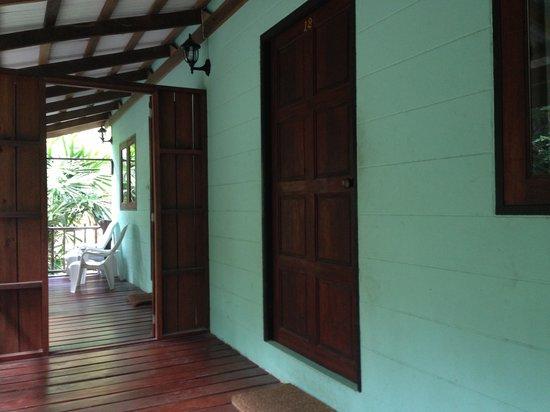 Baan Po Ngam Resort:                   Bungalow