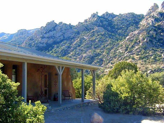 Cochise Stronghold, A Nature Retreat: In the Heart of Cochise Stronghold Canyon