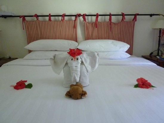 Club Med Cherating Beach:                   部屋は安いスーベニアルームですが、こんな気配りをしてくれました