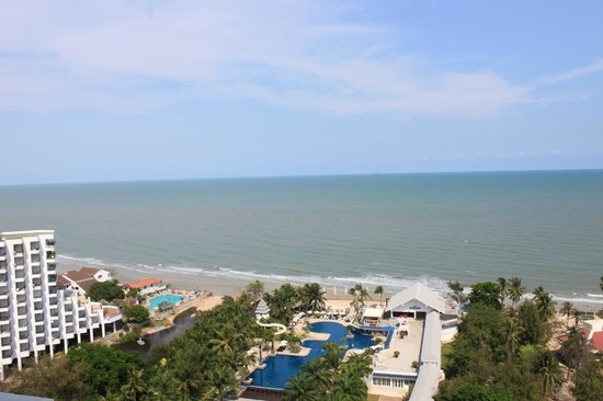 Novotel Hua Hin Cha Am Beach Resort and Spa:                   view from the room on the 17th floor