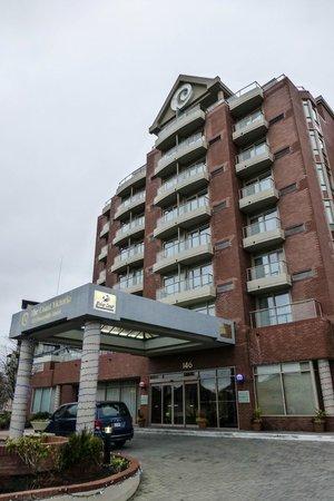 Coast Victoria Harbourside Hotel & Marina:                   Hotel Exterior