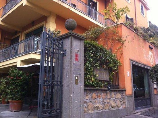 Hotel Villa San Pio:                   entrace