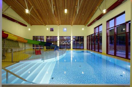 Familotel Schreinerhof: Panoramaschwimmbad mit Riesenrutsche