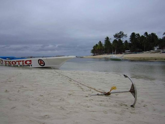 Bounty Beach :                                     Early morning sand banks