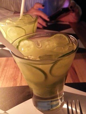 Le Manjue Organique:                   Famous brazilian cocktails Caipirinha