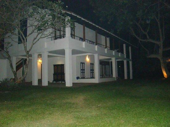 Club Villa: Вид на корпус