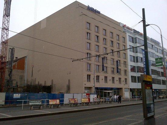 Jurys Inn Hotel Prague: façade austère