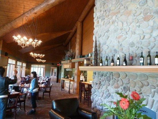 The Pines Restaurant Innenansicht