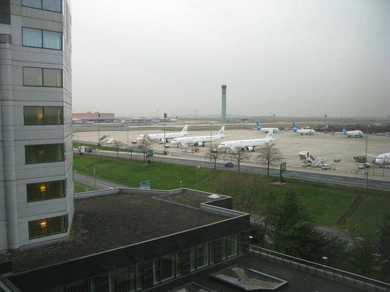 Hilton Paris Charles de Gaulle Airport: vue des pistes