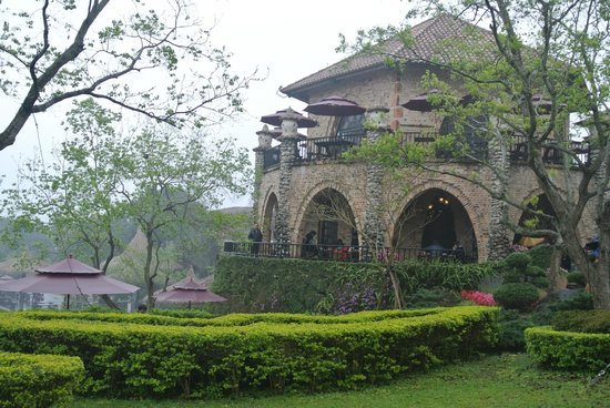"Xinshe, Taichung:                   one of the ""castle"""