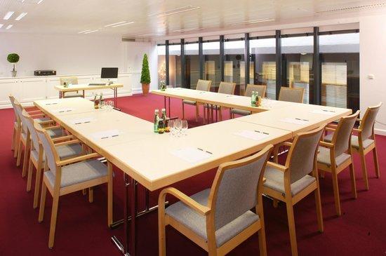 Burg Hotel : Mehrere Seminarräume für bis zu 60 Personen / Raum