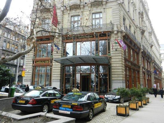 Buddha-Bar Hotel Budapest Klotild Palace: Entrée