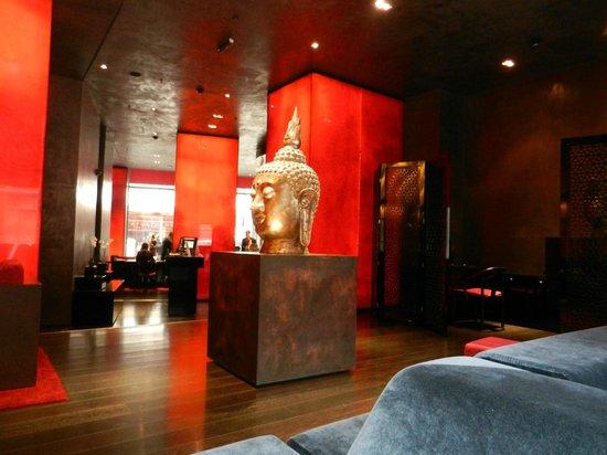 Buddha-Bar Hotel Budapest Klotild Palace: hall