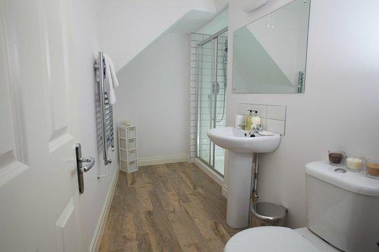 SITU - Serviced Apartments West Street Mews : Bathrooms