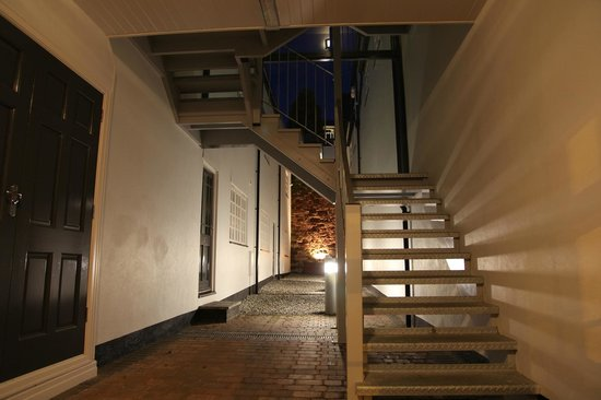 SITU - Serviced Apartments West Street Mews : Secure and quiet inner courtyard
