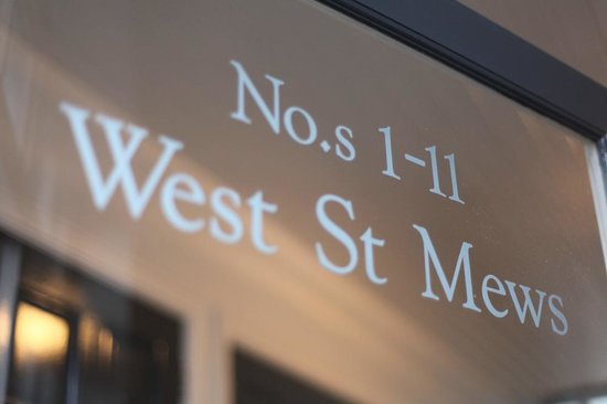 SITU - Serviced Apartments West Street Mews : Entrance sign
