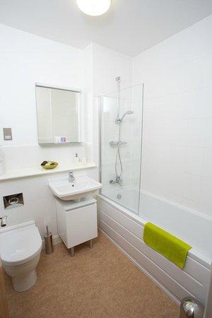 Bathroom Design Yeovil bathroom - picture of yeovil central apartments, yeovil - tripadvisor