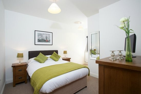 Yeovil Central Apartments: Spacious bedrooms