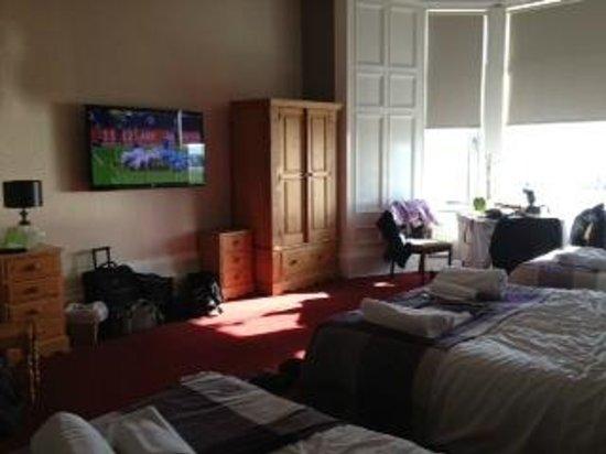Lauriston Hotel :                   Family Room