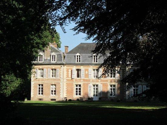 Les Chambres d'Aumont:                   Vue du château