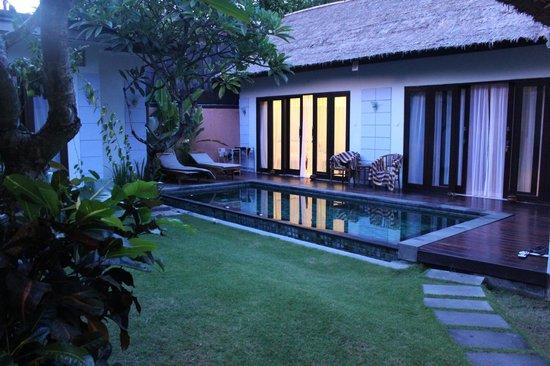 Abimanyu Villas :                   3 Bedroom Villa. View walking in.