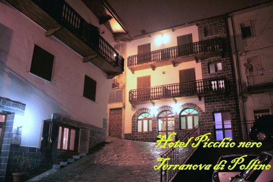 Hotel Picchio Nero:                   Veduta esterna realizzata dal fotografo del nostro gruppo