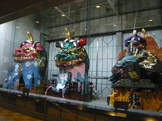 Hikiyama Exhibition Hall:                   曳山