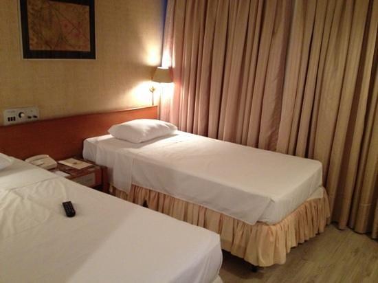 Carlton Hotel Brasilia : quarto