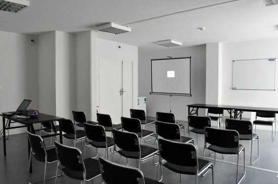 Alezan Hotel & Residence : Salle réunion Théâtre